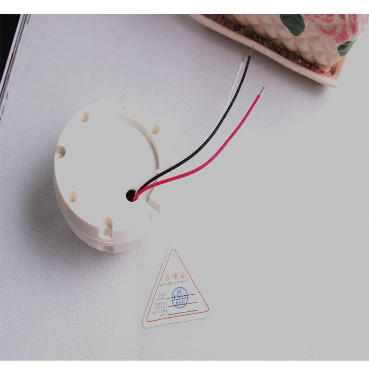 """产品介绍: 高保真、语音清晰、噪音低。 镀银震膜电容咪头,本底噪声小、采音更广泛。 ClearSpeech自适应动态降噪处理技术,内置高速DSP数字信号处理器。 独特设计的""""电子噪声动态闭环抑制电路"""",彻底消除""""嘶嘶""""电子噪音。 表面喷涂德国FLAYER漫射涂层,完美收音。 AGC自动声音增益电路使音频监控监听面积达50平方米。 自动抑制高强度声音,可靠保护音频监控后端设备。 回声消除凹腔有效减少空旷房间的严重回音。 采用十字防漩式音孔,其内部共振声腔经过精确计算,收音更清晰。 超长线路传输技术"""