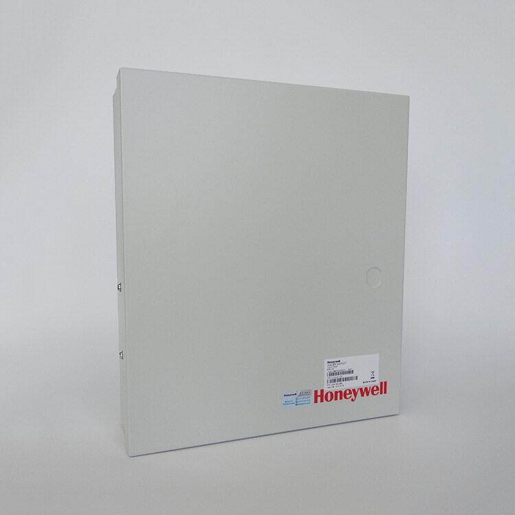 警号电流: 0.80A / 10.5-13.5V DC (Max) 辅助电源包括可关断电源(SW/AUX)和不可关断电源(AUX), 其中可关断电源用于烟感等需断电复位的设备 -输出电压:12~14 VDC -输出电流总和:≤500 mA 触发器输出驱动:35mA (Max) ,+12V 键盘内置蜂鸣器报告系统状态 报警状态确认