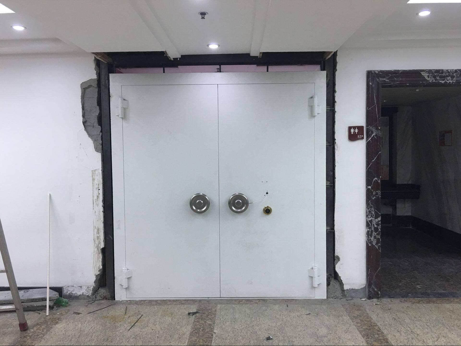 博物馆金库门